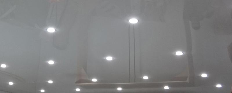 Глянцевые натяжные потолки в Брянске