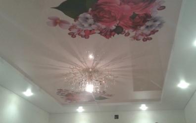 фотопечать на розовом глянцевом потолке - работы студии Потолок32