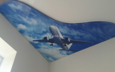 """Фотопечать на матовом потолке """"небо с облаками и самолет"""" - работы студии Потолок32"""