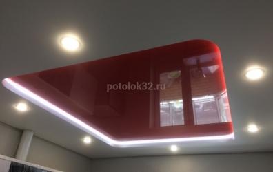 Красный потолок с подсветкой на кухню - работы студии Потолок32