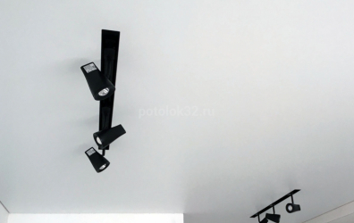 SLOTT ниша со спотами - работы студии Потолок32