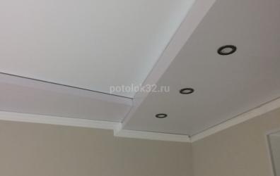 Прямые углы на двухуровневом потолке - работы студии Потолок32
