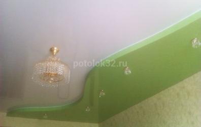 Зеленый глянцевый потолок - работы студии Потолок32