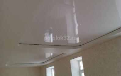 Двухуровневый сатиновый и глянцевый потолок в форме прямоугольника - работы студии Потолок32