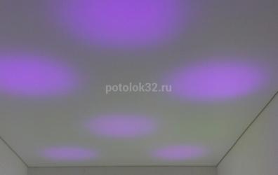 фиолетовая подсветка на потолке - работы студии Потолок32