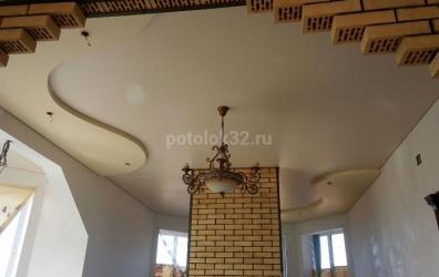 Натяжной потолок в каминной - работы студии Потолок32
