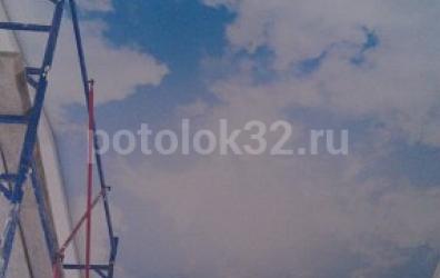 """Фотопечать """"небо"""" на высоте 8 метров в бассейне - работы студии Потолок32"""