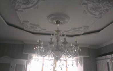 Матовый потолок с лепниной - работы студии Потолок32