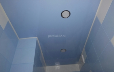 голубой глянцевый потолок - работы студии Потолок32