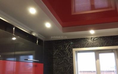 красный потолок для кухни - работы студии Потолок32